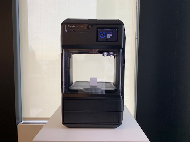 Image of MakerBot Method 3D Printer - Review the Specs: MakerBot Method 3D Printer Fuses Industrial Performance with Desktop Accessibility