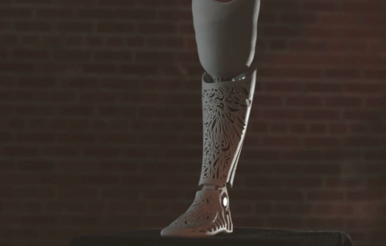 Prosthethic leg featuring a unique pattern, made by 3DSystems