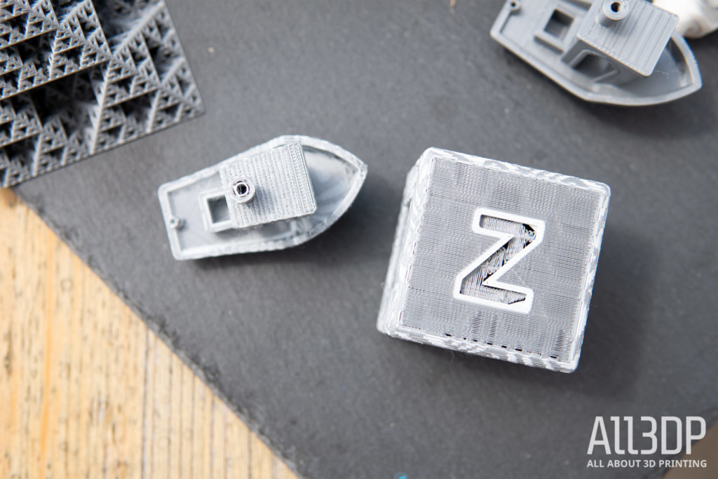 ZMorph VX dual extrusion prints