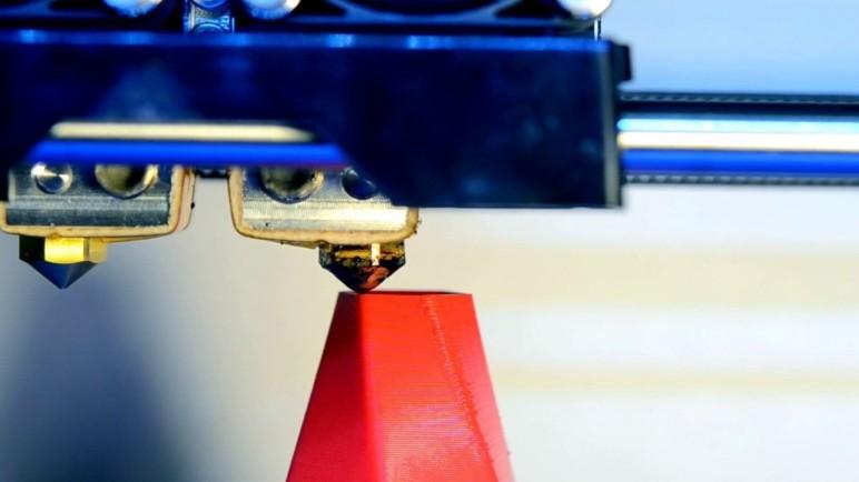 A standard FDM system mid-print