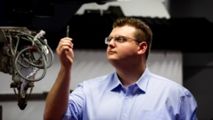 Featured image of RMIT Graduate Receives Award for 3D Printed Steel Tools That Cut Titanium