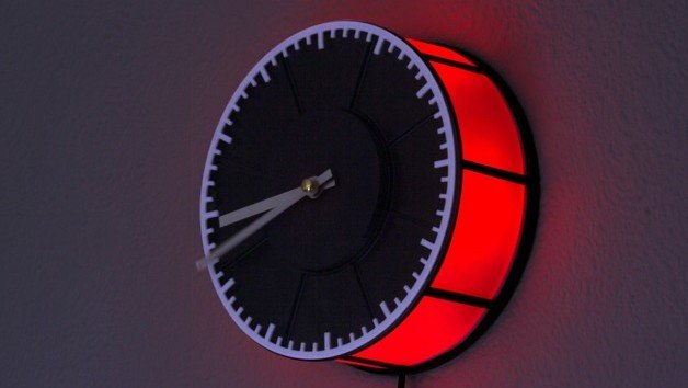 Featured image of Weekend Project: Turn Old Filament Spools into a 3D Printed Clock