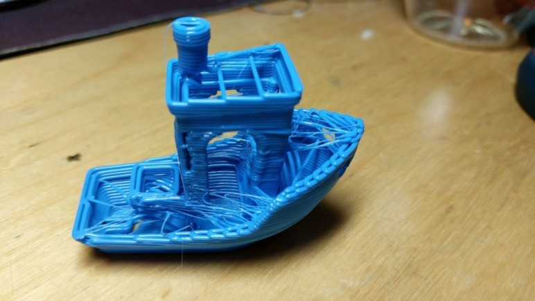 Benchy poorly 3D printed. This Benchy might need some help.