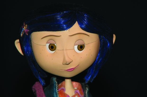 Animated face of Coraline before removal of the component line.