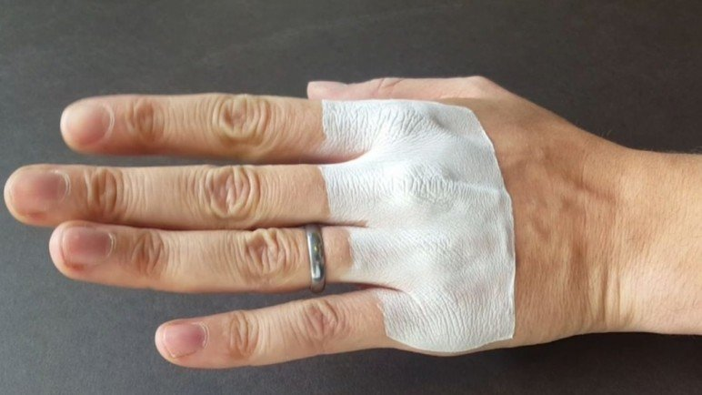 A flexible, fitted bandage integrating itself into the skin.