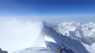 Featured image of Swedish Man Climbs Mount Everest Using 3D Printed Gear