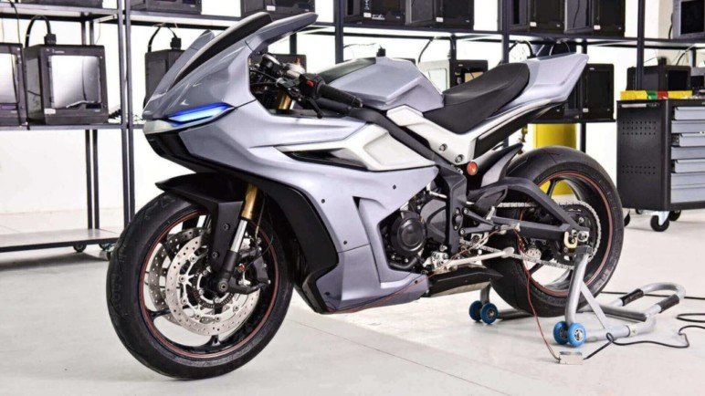 Triumph Daytona modified using 3D printing.