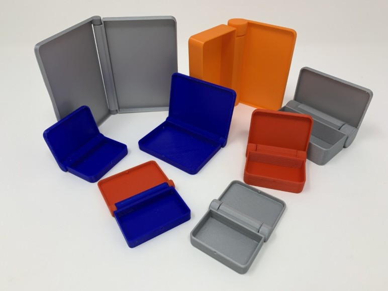 Stay organized with these custom hinged containers.