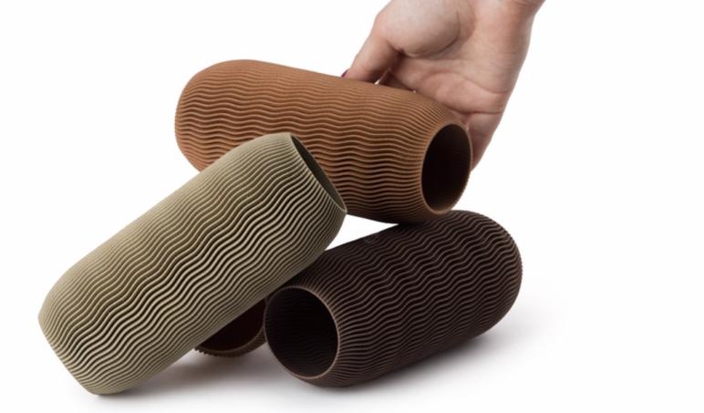100% biodegradable wood-like filament.