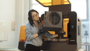 Featured image of 2019 Formlabs Form 3L SLA 3D Printer – Review the Specs