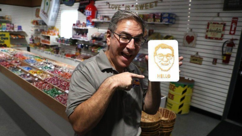 An example of the capabilities of a 3D candy printer - a selfie gummie!