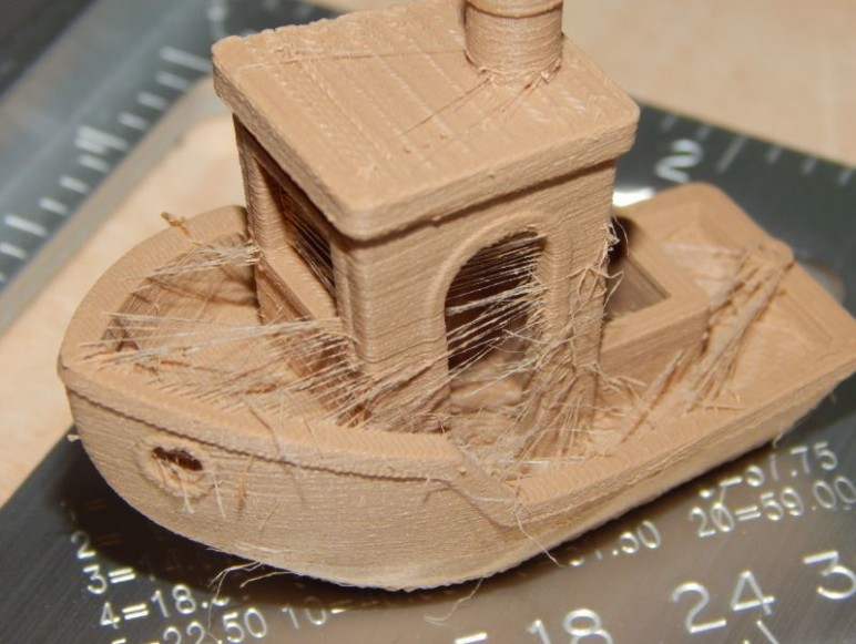 A rather stringy 3DBenchy...