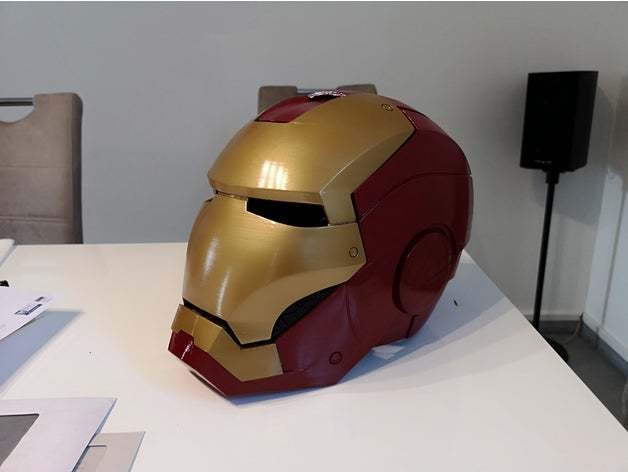 A printed and assembled MK3 replica helmet.