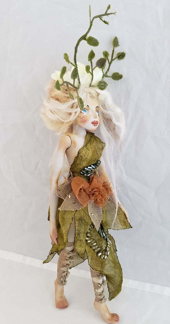 A graceful 3D printed elf.