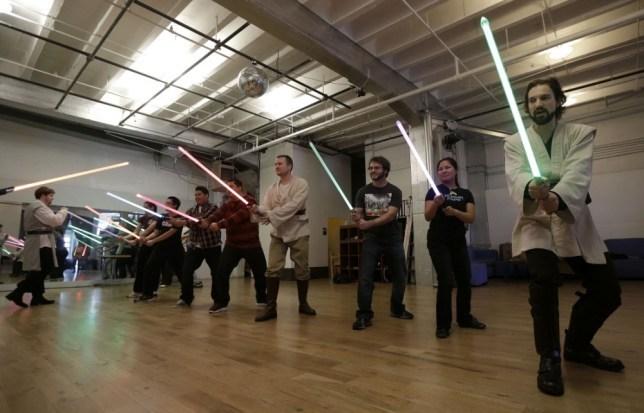 5 лучший вариантов светового меча из Звёздных Войн